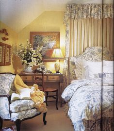To accomplish that vaporous climate in your room, a basic arrangement is to utilize white country bedroom furniture. Pretty Bedroom, Cozy Bedroom, Bedroom Decor, White Bedroom, French Country Bedrooms, French Country Decorating, Country French, Country Bedroom Design, Rm 1