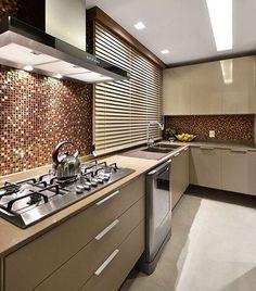Cozinha belíssima regram @decorcriative Amor à primeira vista com essa cozinha…