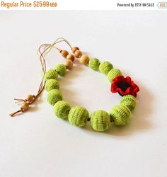 20% OFF Green Flower Crochet Nursing Necklace от KattyMarket