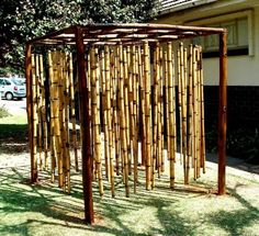 An outdoor sound wall is very amusing and entertaining. These collection of outdoor music wall ideas will embellish your child-friendly backyard ! Outdoor Play Spaces, Outdoor Fun, Outdoor Walls, Natural Outdoor Playground, Natural Play Spaces, Music Garden, Bamboo Structure, Bamboo Poles, Sensory Garden