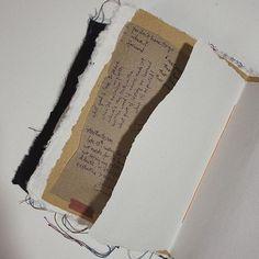 Photo by LOUDSY • journals & whatnot Craft Tutorials, Craft Projects, Cool Notebooks, Journals, Journal Inspiration, Journal Ideas, Creative Journal, Diy Art, Book Art