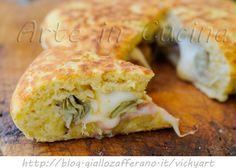 Focaccia di patate veloce in padella con carciofi e provola, prosciutto, ricetta facile, piatto unico saporito, con patate crude, focaccia farcita con carciofi