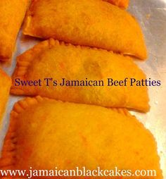 The beef patty is a staple item in Jamaican Cuisine. It is considered street food because it is easy to eat on the go. The patty seems so simple yet is so complicated in taste. As a chef I have made. Jamaican Cuisine, Jamaican Dishes, Jamaican Recipes, Jamaican Meat Pies, Jamaican Beef Patties, Jamaican Patty, Black Cake Jamaican, Carribean Food, Caribbean Recipes