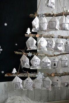 Adventní kalendář | Venoška Made | Bloglovin' Felt Christmas, All Things Christmas, Christmas Crafts, Christmas Decorations, Holiday Decor, Christmas Ideas, Creative Christmas Trees, Advent Calenders, December 25