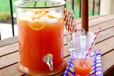 With all graduation and Memorial Day weekend festivities coming up, it occurred to me that I've never shared my favorite punch-to-serve-a-crowd. My kids love this. My husband loves this. My girlfriends really love this with a splash of vodka. Punch Recipe For A Crowd, Easy Punch Recipes, Food For A Crowd, Drink Recipes, Top Recipes, Refreshing Drinks, Summer Drinks, Holiday Drinks, Pina Colada