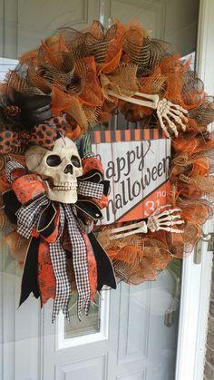 Halloween wreath, skeleton wreath, skull wreath, bones wreath