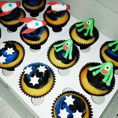 Space themed cupcakes complete with edible toppers 🚀👽✨ 🌏 . Themed Cupcakes, Rockets, Milky Way, Aliens, Planets, Stars, Desserts, Food, Tailgate Desserts