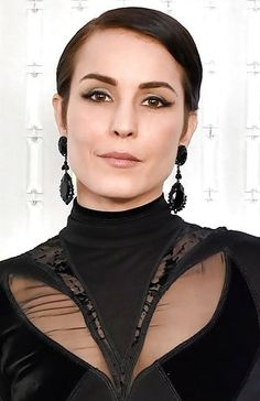 Lisbeth Salander, Noomi Rapace, Comb Over, Short Hairstyles For Women, Short Hair Styles, Chokers, Make Up, Celebrity, Female