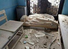 ⭕ قبل وبعد: صور صادمة تكشف عن تدمير #داعش للآثار التاريخية في مدينة #تدمر…