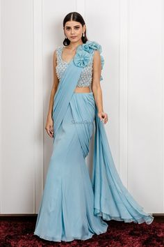 Sarees Top 61 High End Designer Sarees (Neueste & Trend) Indian Gowns Dresses, Indian Fashion Dresses, Dress Indian Style, Indian Designer Outfits, Best Designer Sarees, Saree Fashion, Fashion Outfits, Fancy Sarees Party Wear, Saree Designs Party Wear