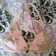 Pink and Green bikini top These have underwire but are not lined. Could probably only fit an A cup. Tops