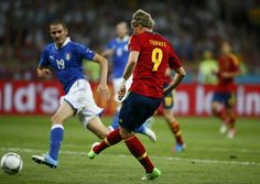 Fernando Torres scores a goal // Euro 2012 Spain Vs Italy, Euro 2012, Photojournalism, Olympics, Soccer, Football, Goals, Running, Sports