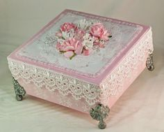 The Shabby Tea Room  // ♡I NEVER REMEMBER TO DO IT, BUT I LOVE WHEN FEET ARE PUT ON BOXES!!!  ♥A