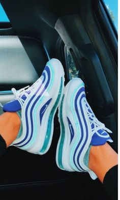 Modest Women Footwear from 43 of the Lovely Women Footwear collection is the most trending shoes fashion this season. This Women Footwear look related to sneakers, shoes, nike and adidas was… Tenis Nike Air, Nike Air Shoes, Shoes Jordans, Cool Nike Shoes, Nike Shoes Tumblr, Nike Shoes Blue, Nike Shoes Outfits, Moda Sneakers, Nike Sneakers