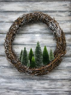 nice and simple Christmas wreath idea! beautiful and simple Christmas wreath idea! # Weihnachten # ideen The post beautiful and simple Christmas wreath idea! appeared first on Crafting ideas. Christmas Tree Wreath, Noel Christmas, Holiday Wreaths, Winter Christmas, Holiday Crafts, Winter Wreaths, Christmas 2019, Christmas Ideas, Handmade Christmas