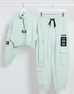 Kpop Fashion Outfits, Girls Fashion Clothes, Sporty Outfits, Cute Casual Outfits, Outfits For Teens, Pretty Outfits, Stylish Outfits, Stylish Dresses, Casual Pants