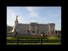 Buckingham Palace is the official London residence of the British monarch. Located in the City of Westminster, the palace is a setting for state occasions an. The Iron Lady, Castles In England, Bucket List Destinations, Green Park, England And Scotland, Royal Palace, British Monarchy, Buckingham Palace, Churchill