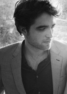Robert Pattinson. Dis boy was all up on my Pinterest feed. So, I had to repin.