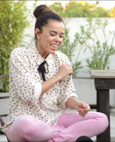 """I love this Beatriz Luengo'outfit in """"Chicas de Revista"""" that you can watch on youtube!"""