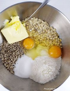 Proste ciastka owsiane ze słonecznikiem Snack Recipes, Dessert Recipes, Cooking Recipes, Desserts, Oatmeal Dessert, Healthy Snacks, Healthy Recipes, Biscuits, Food Porn