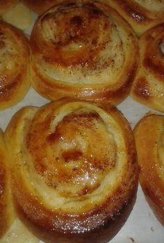 Kouloriakia orange in 2019 Greek Sweets, Greek Desserts, Greek Recipes, Greek Pastries, Cookie Recipes, Dessert Recipes, Easy Sweets, Lowest Carb Bread Recipe, Weird Food