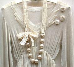 Carrie Bradshaw inspirado collar largo perlas crema Vintage gigante en cinta de encaje de algodón Crochet elegante color Beige