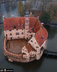 Interesting Buildings, Amazing Buildings, Amazing Architecture, Beautiful Castles, Beautiful Places, Germany Castles, Fantasy Castle, Wonderful Picture, Medieval Castle