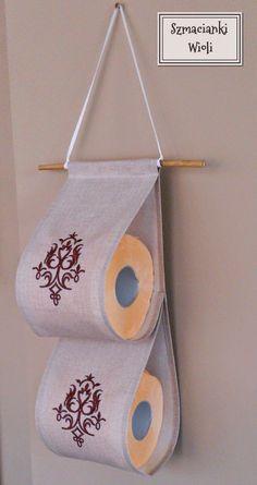 Szmacianki Wioli: Wieszak na zapas papieru toaletowego