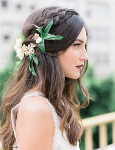 wedding hairstyle with gree flowers / http://www.himisspuff.com/greenery-wedding-color-ideas/12/