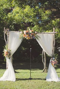 ceremony altar - photo by Maria Mack Photography http://ruffledblog.com/romantic-wedding-at-john-james-audubon