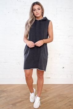 Kali Dress + Everest & Co + Women's Style + Fall Outfit + Fall Style + Fall Dress + Casual Dress + Women's Fashion + Fall Outfit