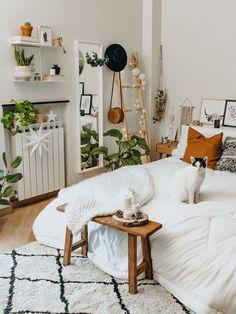 Room Ideas Bedroom, Home Decor Bedroom, Master Bedroom, Boho Chic Bedroom, Bedroom Designs, Dream Bedroom, Boho Teen Bedroom, Minimalist Bedroom Boho, Boho Chic Interior