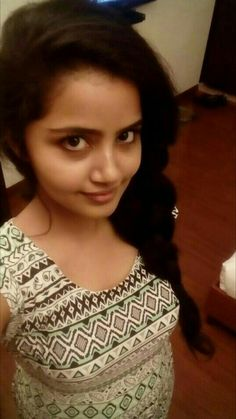 Anupama Recent selfie without makeup at home – Hot and Sexy Actress Pictures Beautiful Girl In India, Beautiful Blonde Girl, Beautiful Girl Photo, Most Beautiful Indian Actress, Cute Beauty, Beauty Full Girl, Girl Number For Friendship, Massage Girl, Indian Girl Bikini