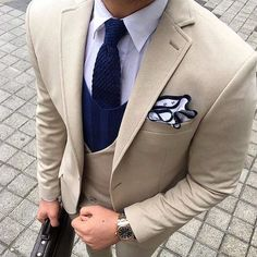 Double breasted vest with color contrast