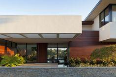 extreme-makeover-modernizes-house-ridge-1.jpg
