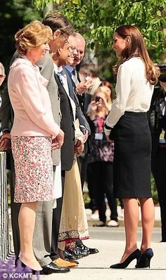 The Duchess of Cambridge pays tribute to her codebreaker grandmother as she reopens Bletchley Park | Mail Online