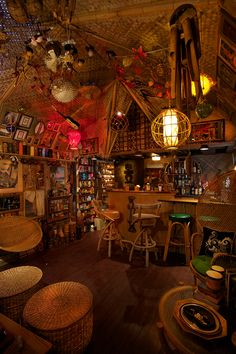 Readers upload photos of their tiki bar decor at home. From vintage Witco to atomic tiki style, there are some great designs here. Tiki Art, Tiki Tiki, Tiki Bar Decor, Vintage Tiki, Vintage Bar, Tiki Lounge, Tiki Room, High Walls, Beach Bars