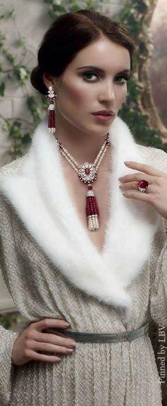 ❤︎ ~ My Christmas Style ~ ❤︎ Graff Diamonds ✦   https://www.pinterest.com/sclarkjordan/~-my-christmas-style-~/
