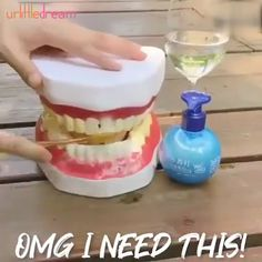 These clever and brilliant bathroom hacks will leave your bathroom smelling amazing.There are lots of cleaning tips and tricks to get the job done out there. These cleaning tips and smell hacks are all time best to make home cleaning easy. Diy Cleaning Products, Cleaning Hacks, Weekly Cleaning, Organizing Tips, Car Cleaning, Diy Hacks, Deep Cleaning, Spring Cleaning, Natural Hand Sanitizer