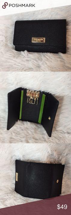 {Katie Spade} Black Keyholder NWT Authentic  Katie Spade  7.5x1x4.25 Originally $78 Great condition  Black Accessories Key & Card Holders