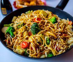 Get Chinese Meat Recipe Raw Food Recipes, Veggie Recipes, Vegetarian Recipes, Healthy Recipes, Veggie Food, Zeina, Quick Meals, Pot Roast, Food Inspiration