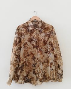 Made in Germany. Slightly sheer polyester fabric, buttons in a slight transparent milky color. Fits Size XS-M. Very artsy and unique find. € 38 + shipping {free untracked shipping in EU} Donate To Charity, Floral Blouse, Espresso, Fur Coat, How To Make, How To Wear, Germany, Artsy, Buttons