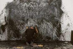 Barcelona-based artist Marcel·li Antunez Roca - Dynamic Mural