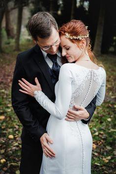 Authentische Hochzeitsfotografie in Sachsen und Deutschlandweit. Save the Date Shooting, getting ready, Kirche & Standesamt, Brautpaar Fotoshooting, Hochzeitstanz & Party.