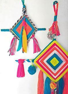 DIY make Ojos de Dios step-by-step photo tutorial Yarn Crafts, Diy And Crafts, Crafts For Kids, Arts And Crafts, God's Eye Craft, Gods Eye, Art Textile, Paper Flower Tutorial, Craft Videos
