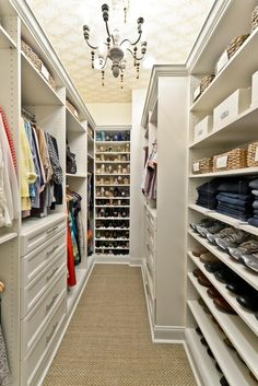 Walk in closet wallpaper awesome Ideas Small Closet Design, Small Master Closet, Narrow Closet, Custom Closet Design, Master Bedroom Closet, Small Closets, Closet Designs, Walk In Closet, Dream Closets