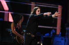 http://www3.pictures.zimbio.com/gi/Kirk+Hammett+25th+Anniversary+Rock+Roll+Hall+H9BBq8-KGlhl.jpg