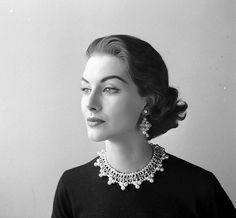 Nancy Berg, September 1952. Photo Nina Leen
