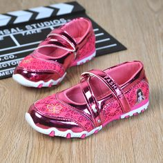 901493c34ff96 Children Casual Shoes Brand Girls Hook Shinning Sport Shoes Fashion Sandals  Baby Hot Cartoon Sneakers Soft