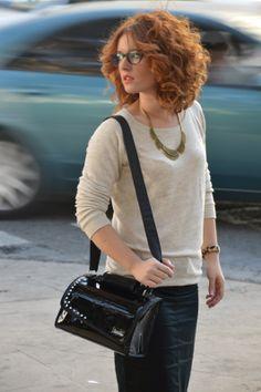 Bag smag...Iook at that hair, love it!